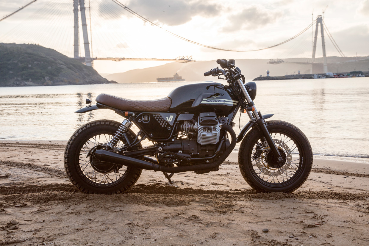 Bunker Customs Moto guzzi V7 custom brat style istanbul sunset