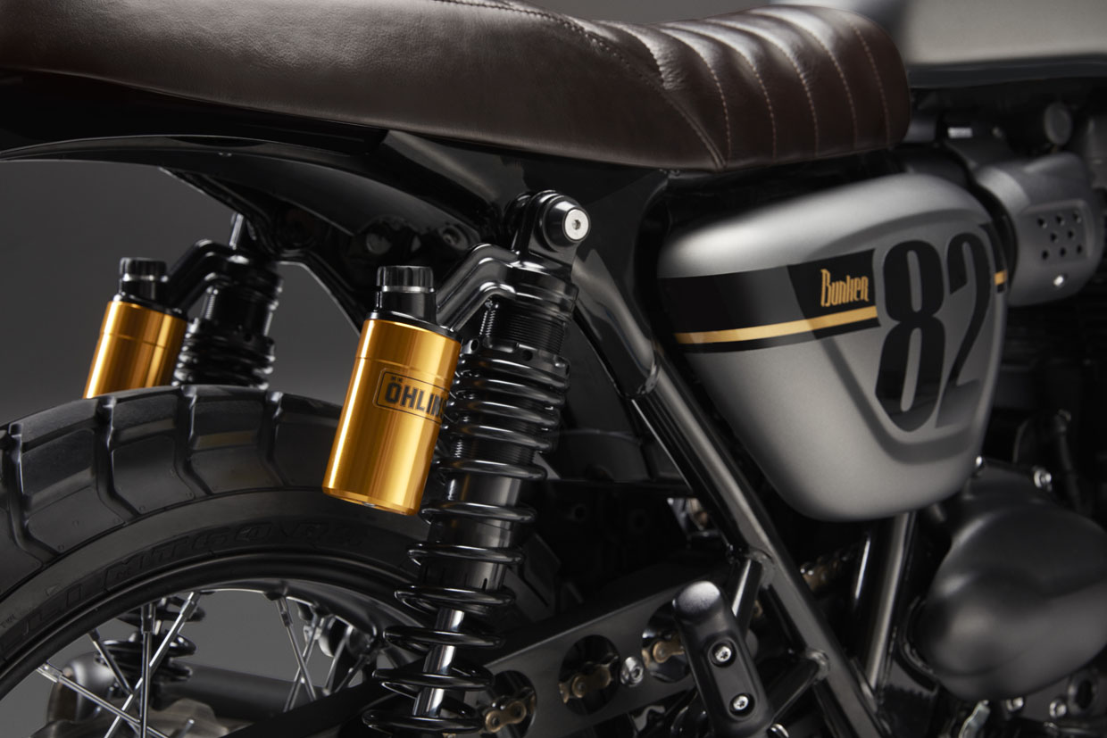 Triumph street twin Street Sleeper Ohlins rear shocks