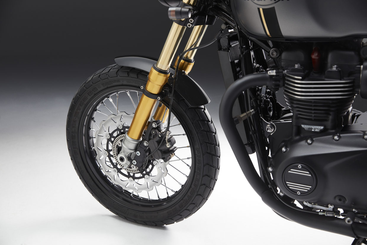 Triumph street twin Street Sleeper Ohlins Front suspension